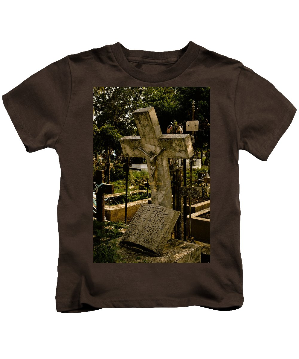 Cordoba Kids T-Shirt featuring the photograph The Burden Of The Cross by Robert Swinson