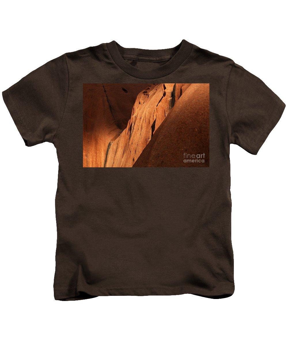 Uluru Kids T-Shirt featuring the photograph Uluru Australia 7 by Bob Christopher