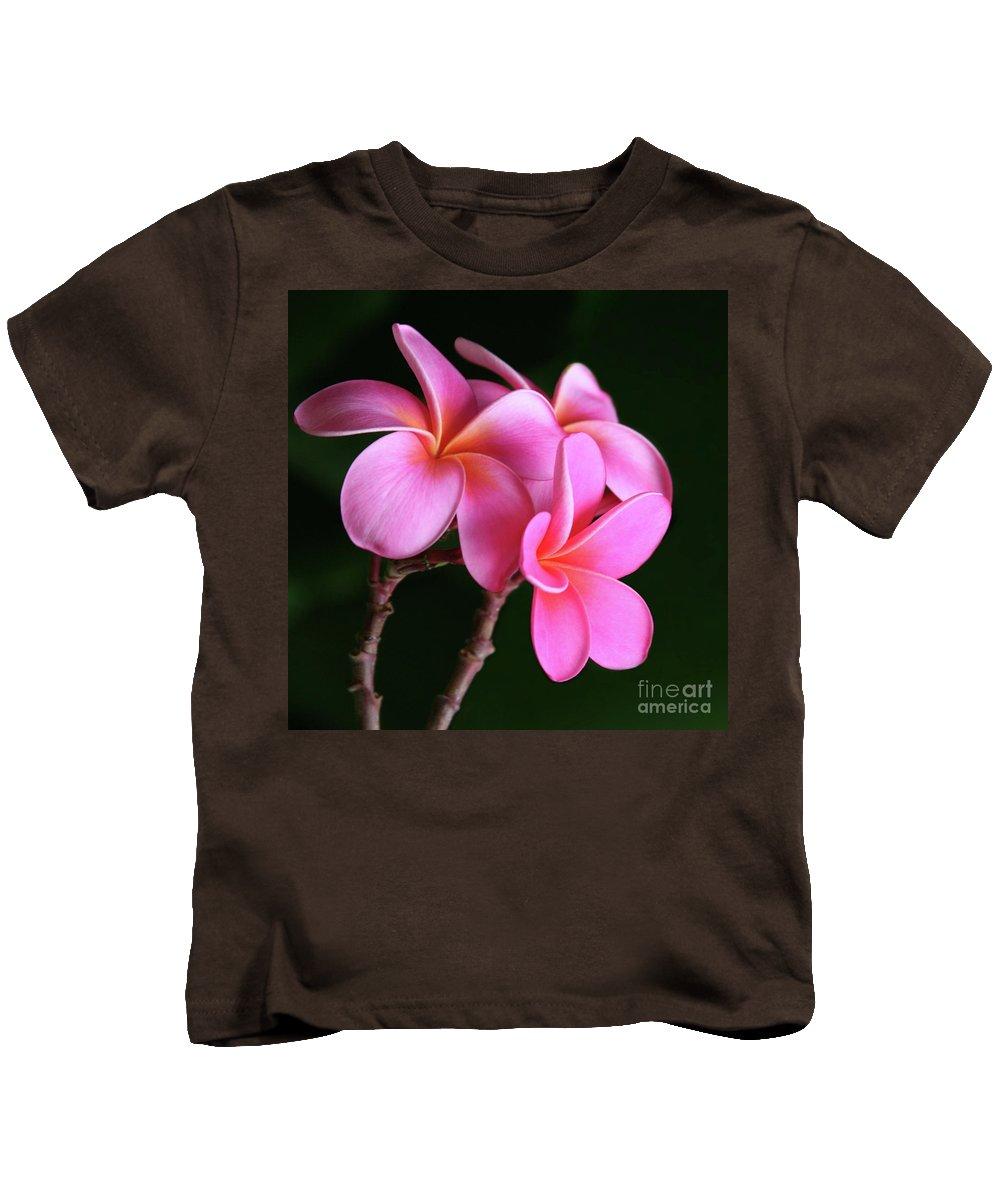 Plumeria Kids T-Shirt featuring the photograph Na Lei Pua Melia Aloha He Ala Nei E Puia Mai Nei Pink Plumeria by Sharon Mau