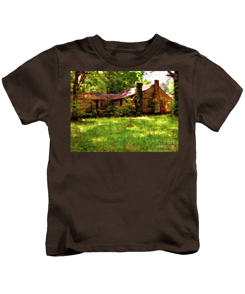 Old House Kids T-Shirt featuring the photograph A Country Place by Kathleen K Parker