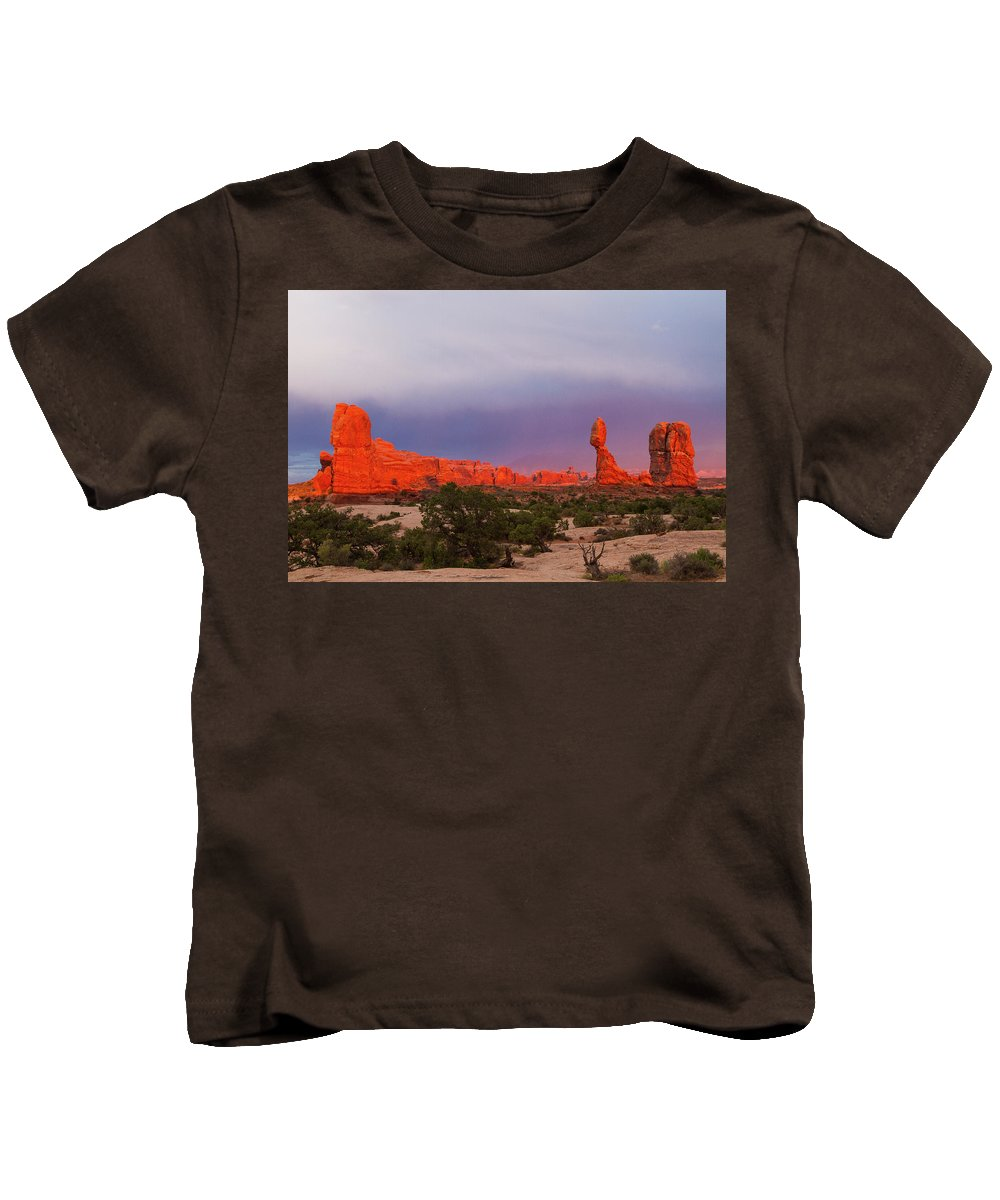Balance Rock Kids T-Shirt featuring the photograph Balance Rock At Sunset, Arches National Park, Utah Usa by Leah Pullen