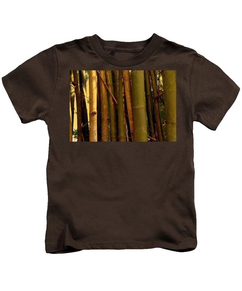 Bamboo Kids T-Shirt featuring the photograph Bambusa Vulgaris by Susanne Van Hulst