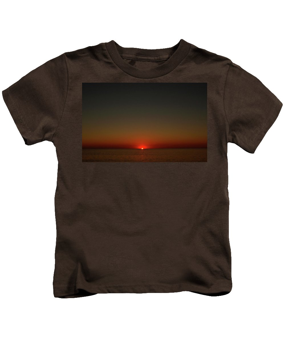 Kids T-Shirt featuring the photograph Cape Cod Sun Drop by Garrett Sheehan