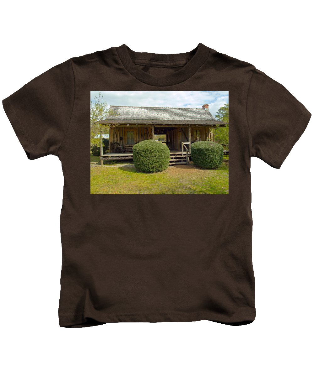 Cabin Kids T-Shirt featuring the photograph Circa 1900 Dogtrot Cabin Of Ephriam Brown From Lake Mills Florida by Allan Hughes