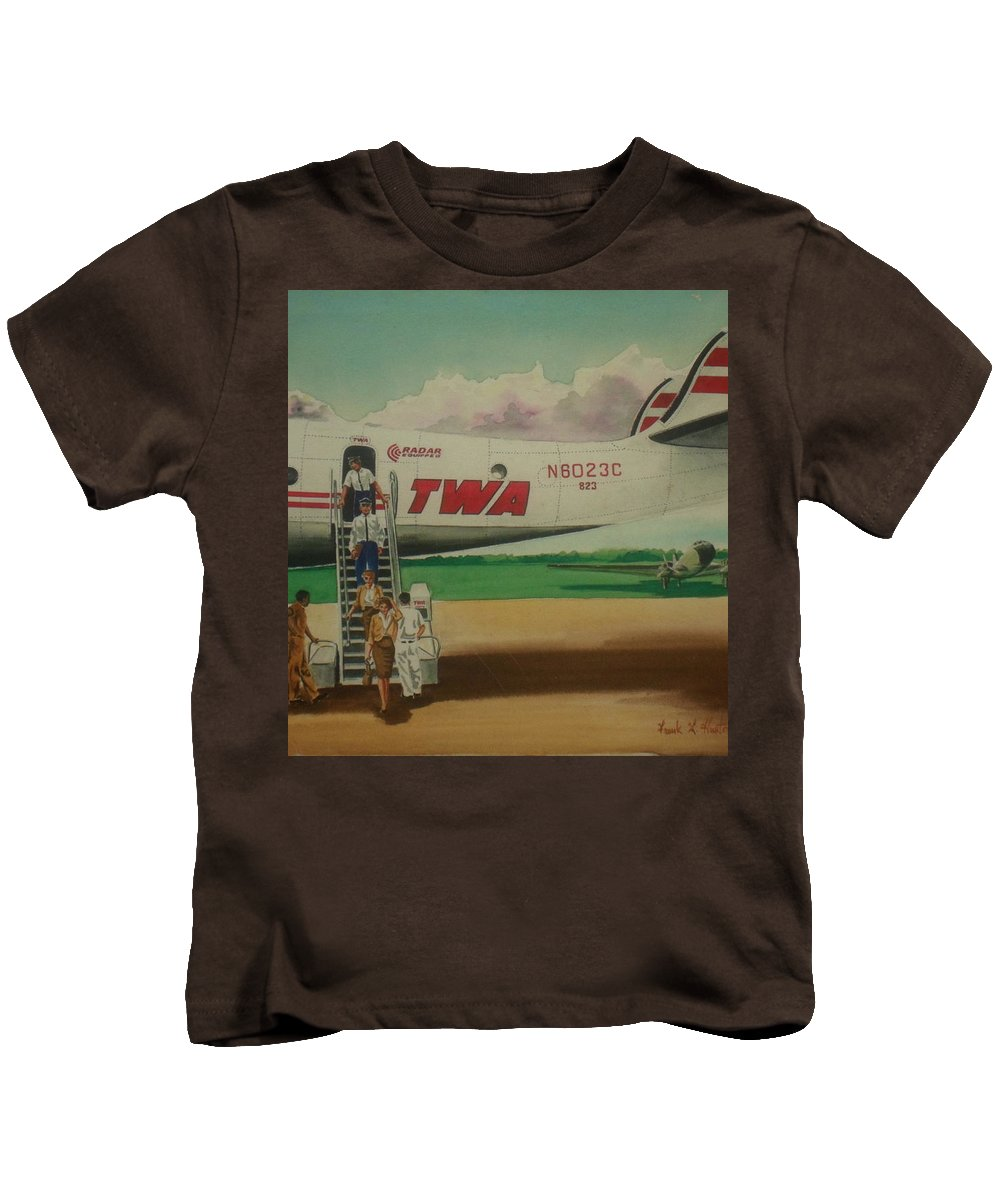 Twa Airplane Airlines Connie Constellation Three Tailed Crew Deplaning Dc-3 In Backgrund Kids T-Shirt featuring the painting Connie Crew Deplaning At Columbus by Frank Hunter