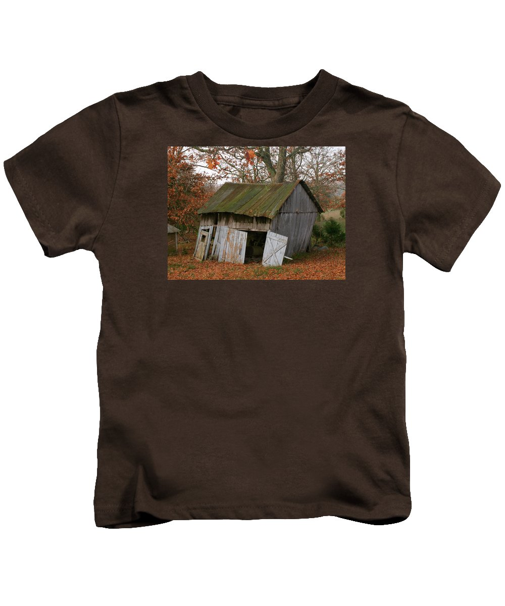 Shed Kids T-Shirt featuring the photograph Copening Hill Shed by Grant Groberg