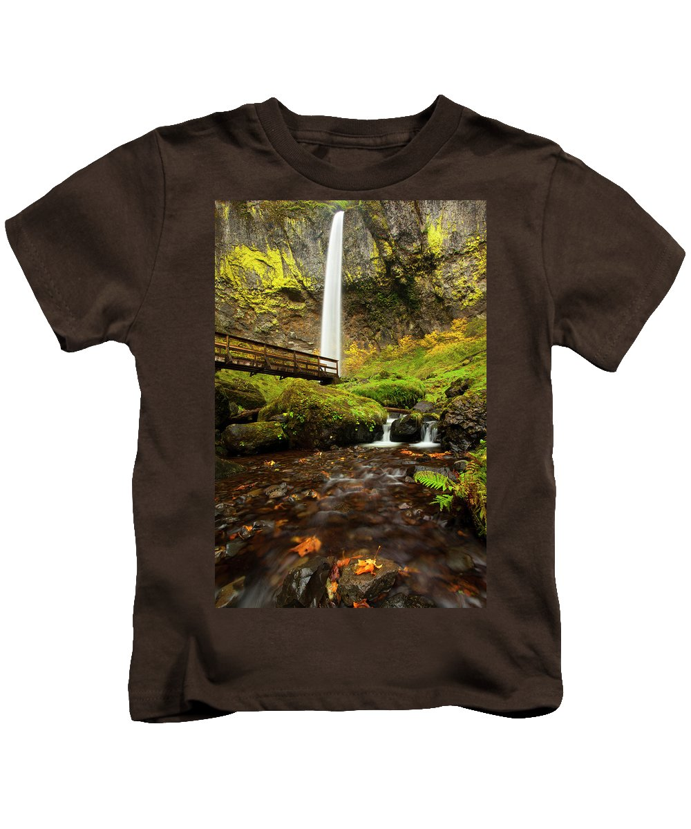 Elowah Falls Kids T-Shirt featuring the photograph Elowah Perspective by Mike Dawson