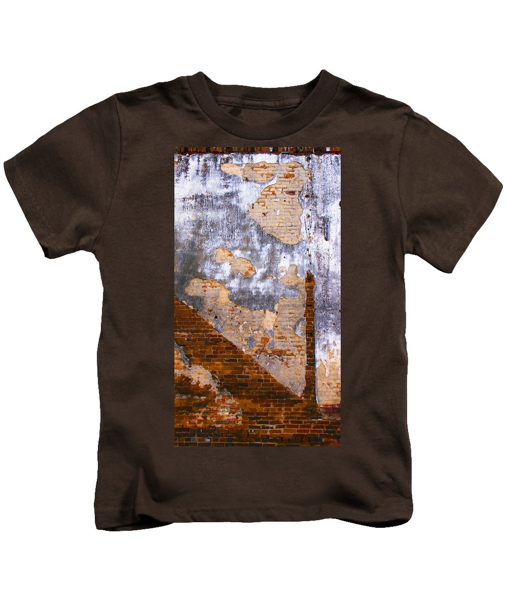 Architecture Kids T-Shirt featuring the photograph Finger Food by Skip Hunt