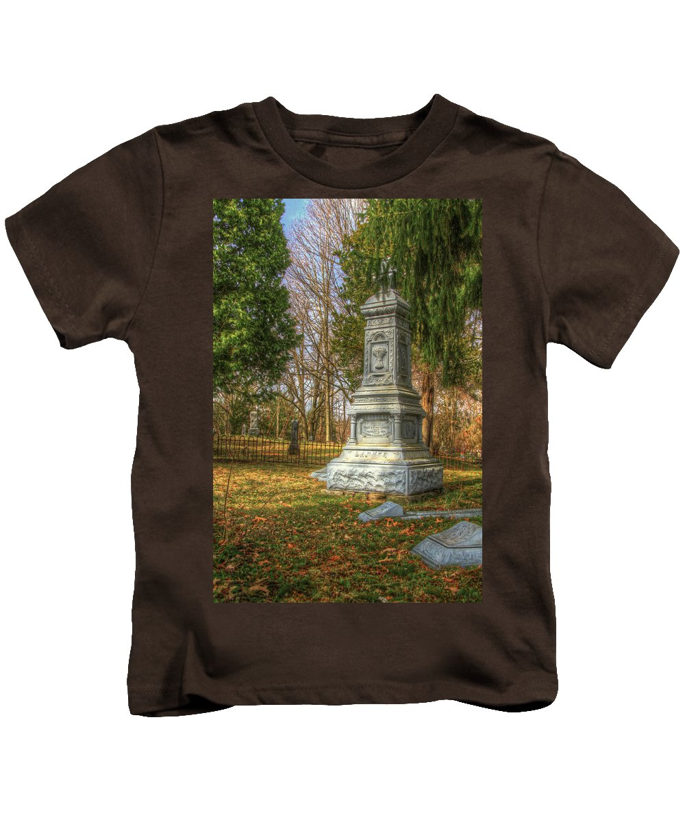 Bible Kids T-Shirt featuring the photograph Heavan Or Hell You Choose by Robert Pearson