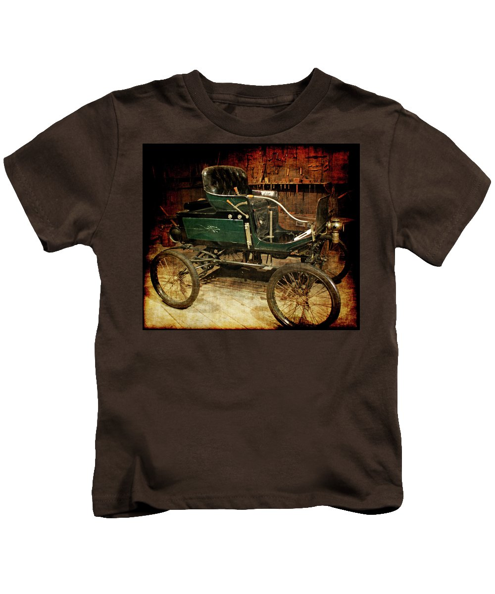 Horseless Carriage Kids T-Shirt featuring the photograph Horseless Carriage by Ernie Echols