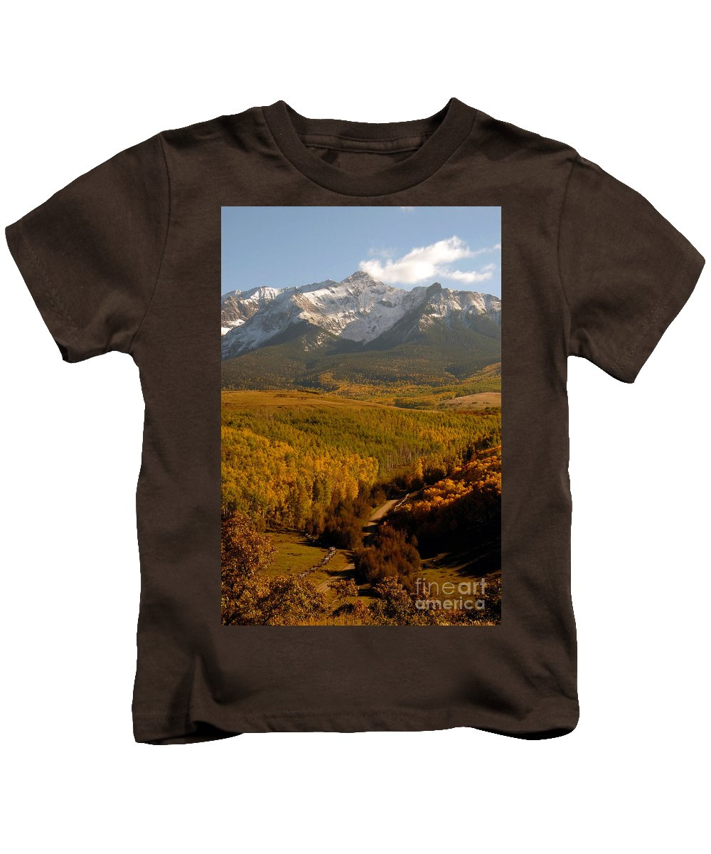 San Juan Mountains Kids T-Shirt featuring the photograph Into The Mountains by David Lee Thompson