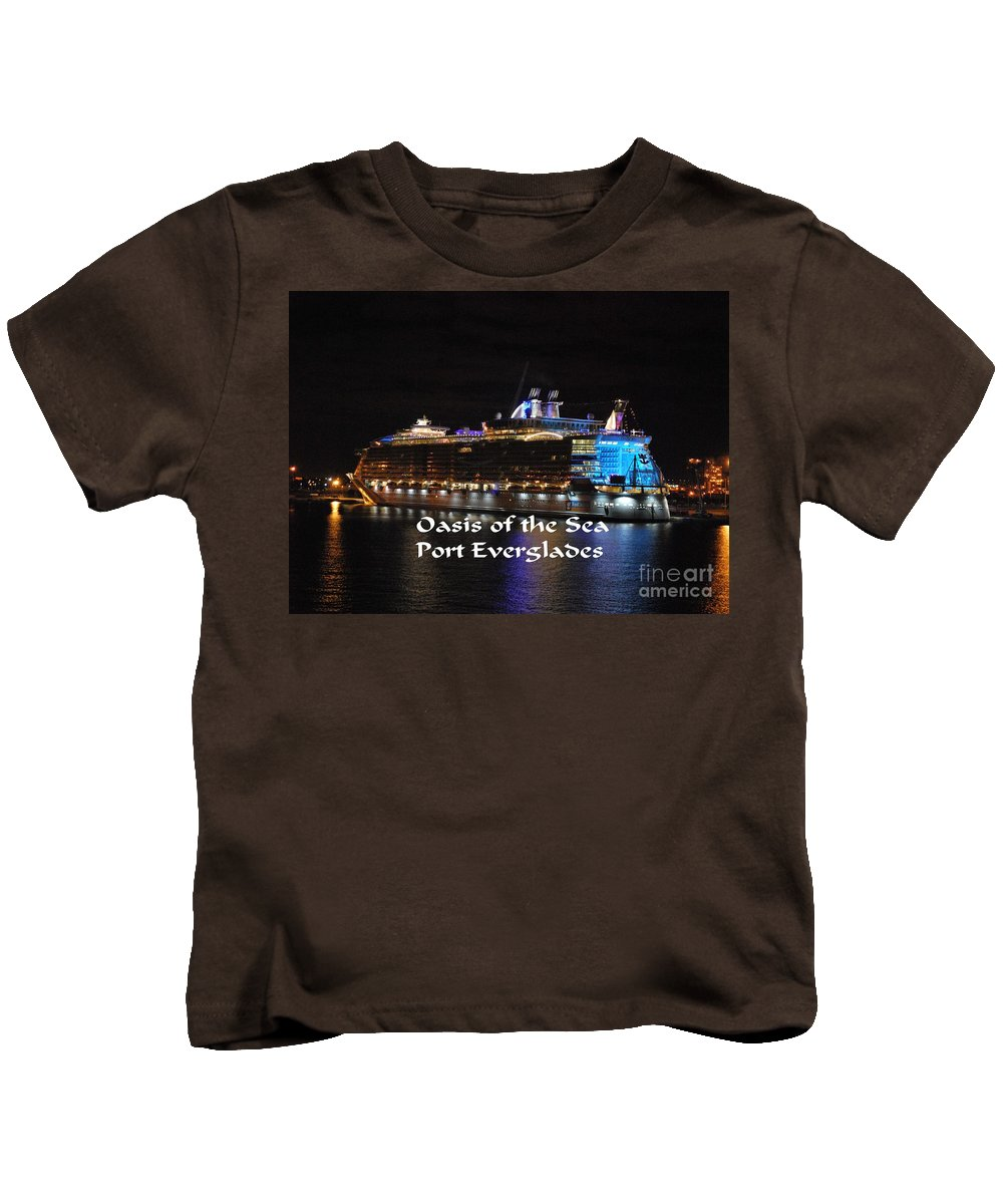 Cruise Kids T-Shirt featuring the photograph Oasis Of The Seas by Gary Wonning