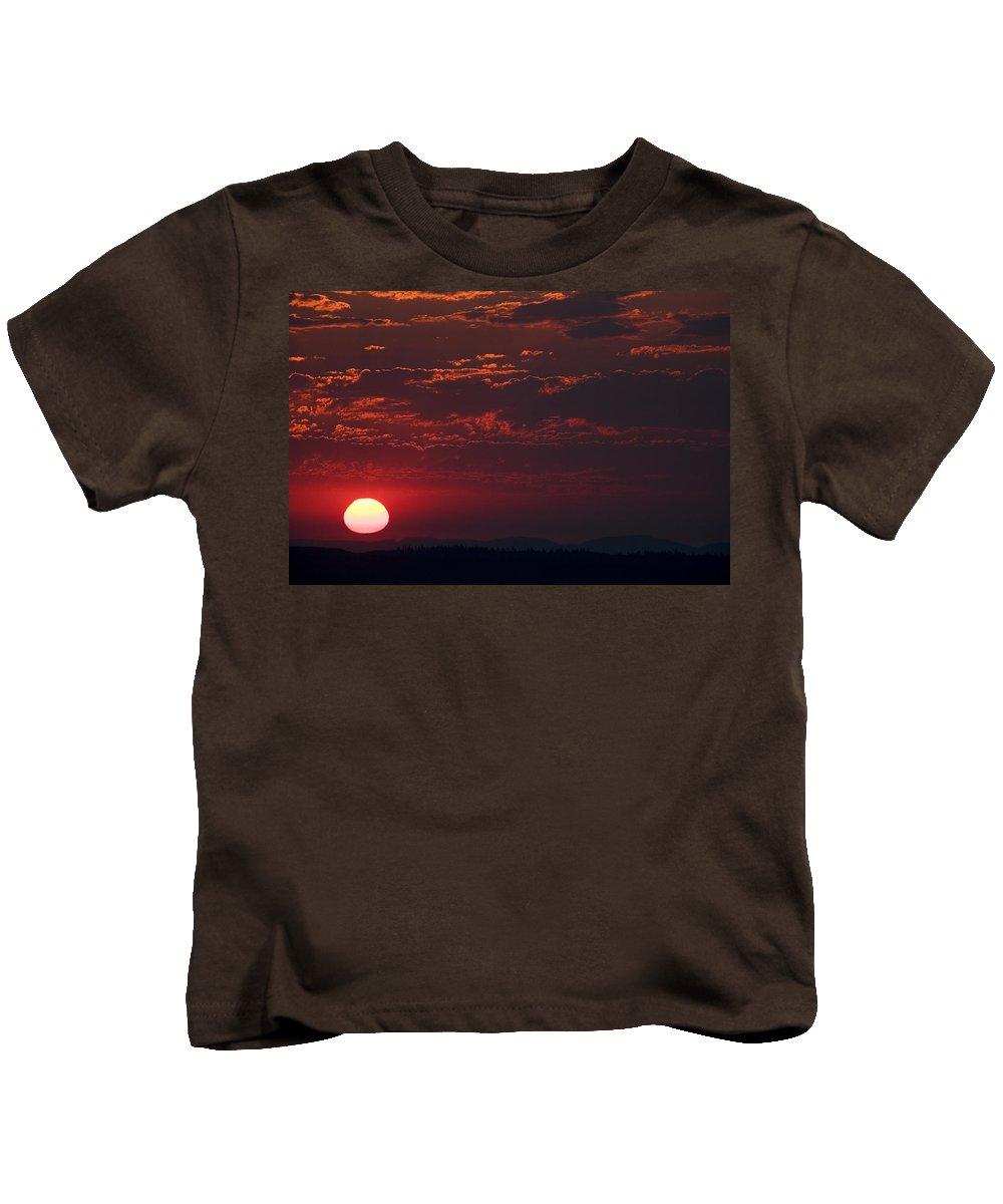 Sunset Kids T-Shirt featuring the photograph Pink Sun by Karen Ulvestad