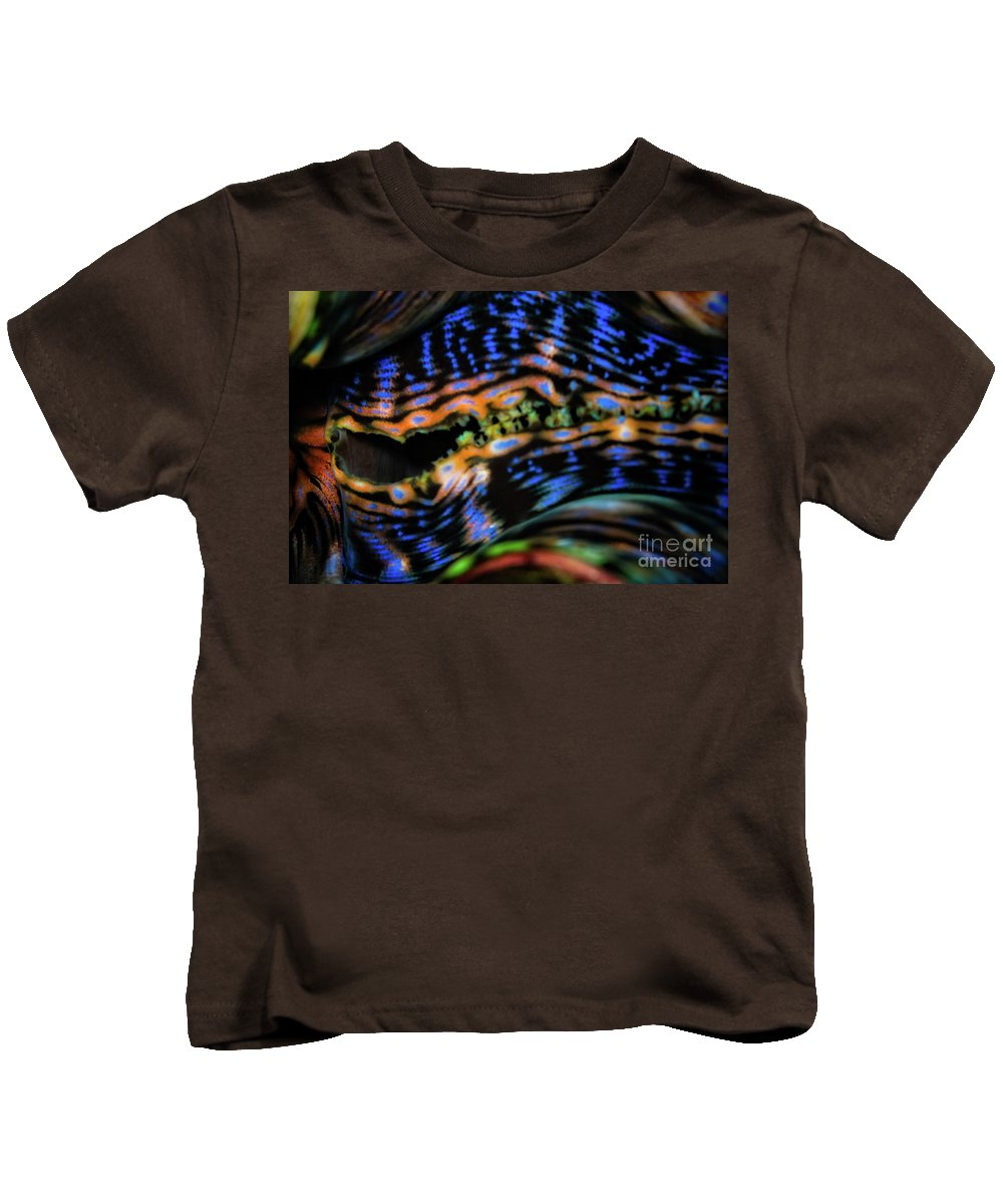 Clam Kids T-Shirt featuring the photograph Psychedellic Clam by Doug Sturgess