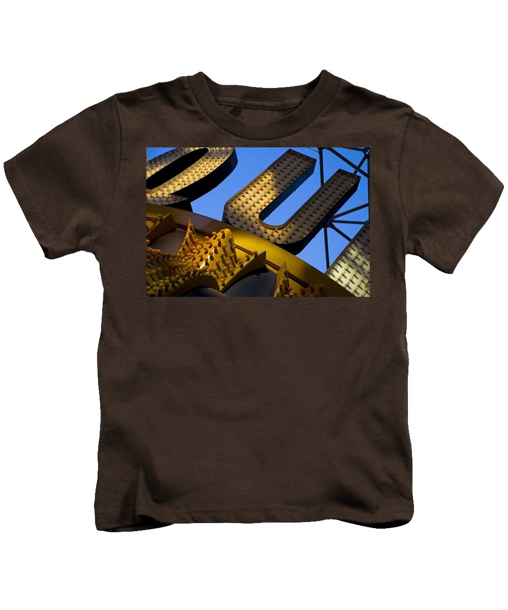 Architecture Kids T-Shirt featuring the photograph Queen Of Hearts by Skip Hunt