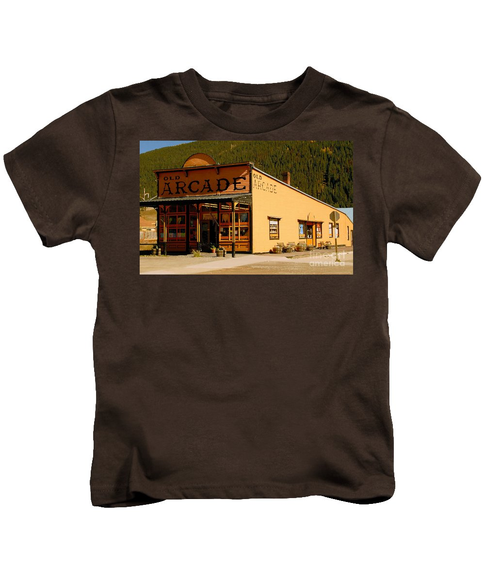 Arcade Kids T-Shirt featuring the photograph The Old Arcade by David Lee Thompson