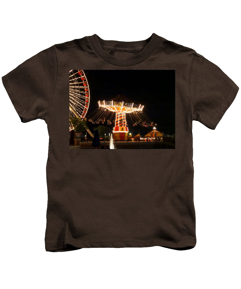 The Wave Swinger Ride Navy Pier Chicago Kids T-Shirt featuring the photograph The Wave Swinger Ride Navy Pier Chicago by Cynthia Woods
