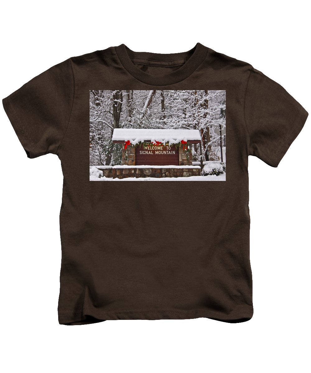 Signal Mountain Kids T-Shirt featuring the photograph Welcome To Signal Mountain by Tom and Pat Cory