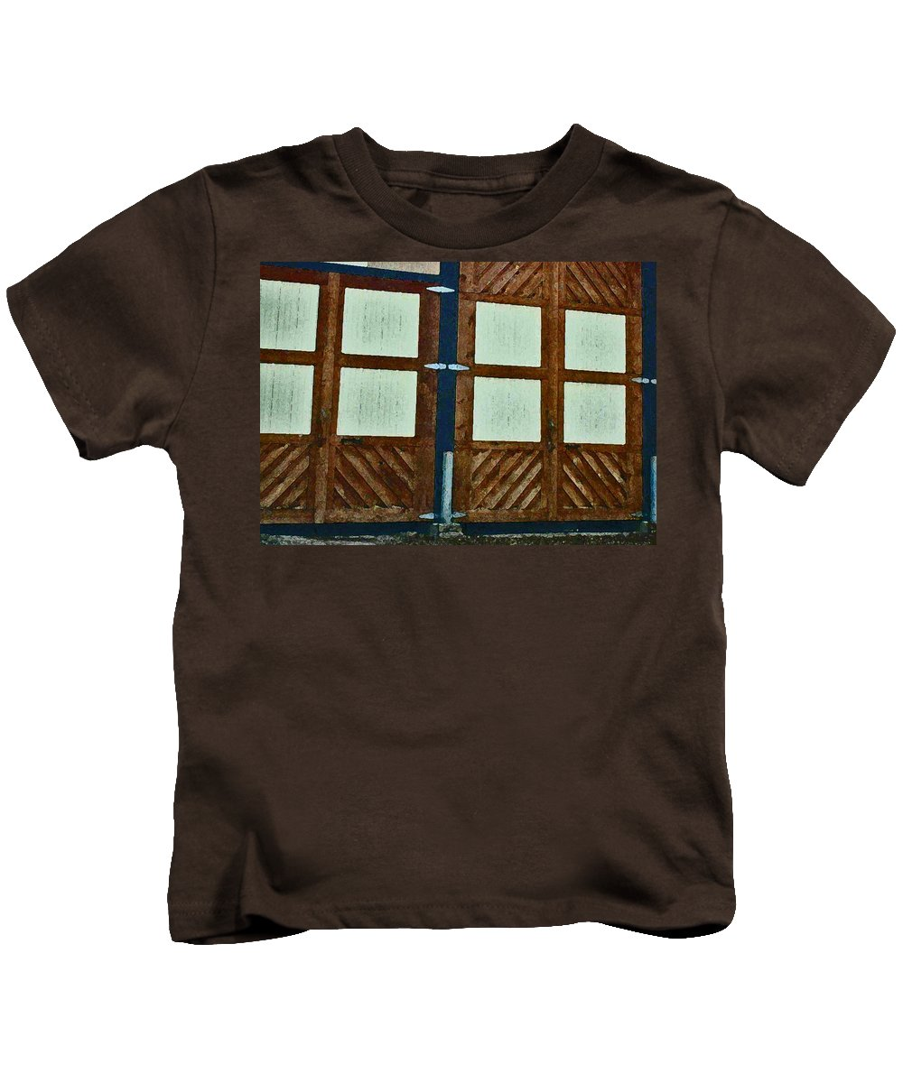 Abstract Kids T-Shirt featuring the photograph Wyoming Garage Abstract by Lenore Senior