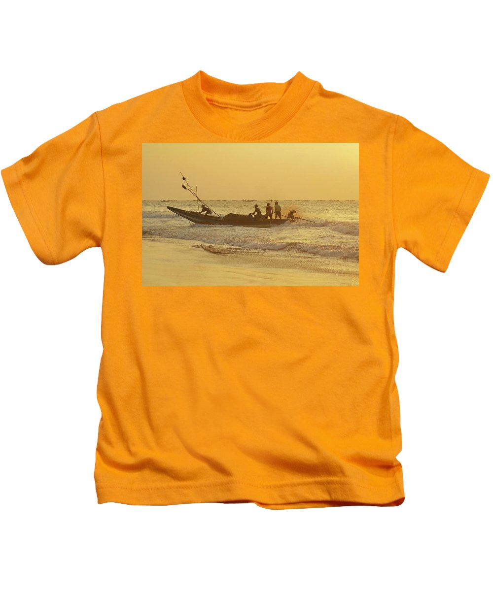 India Kids T-Shirt featuring the photograph At Dawn In Puri by Valerie Rosen