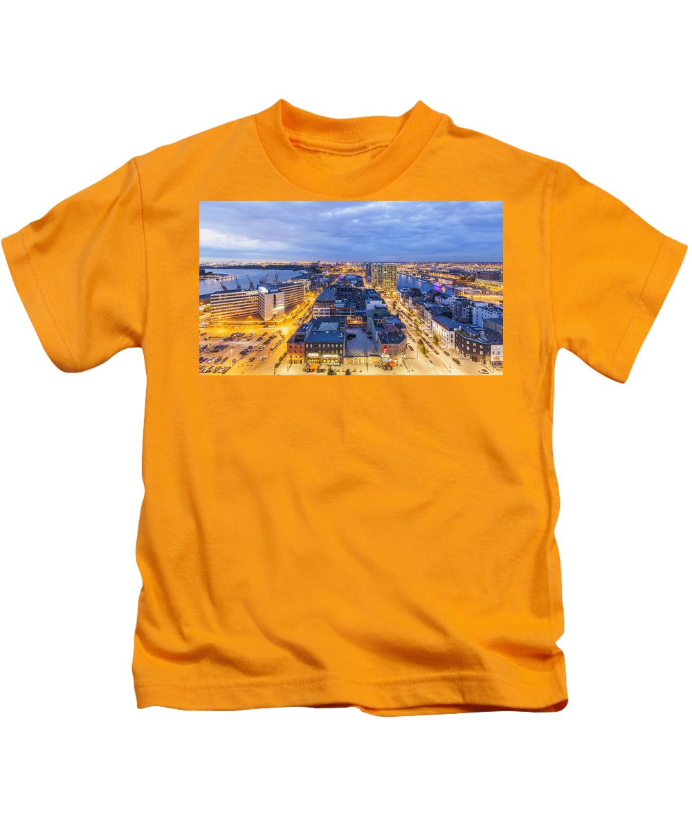 Skyline Kids T-Shirt featuring the photograph Het Eilandje by Werner Dieterich