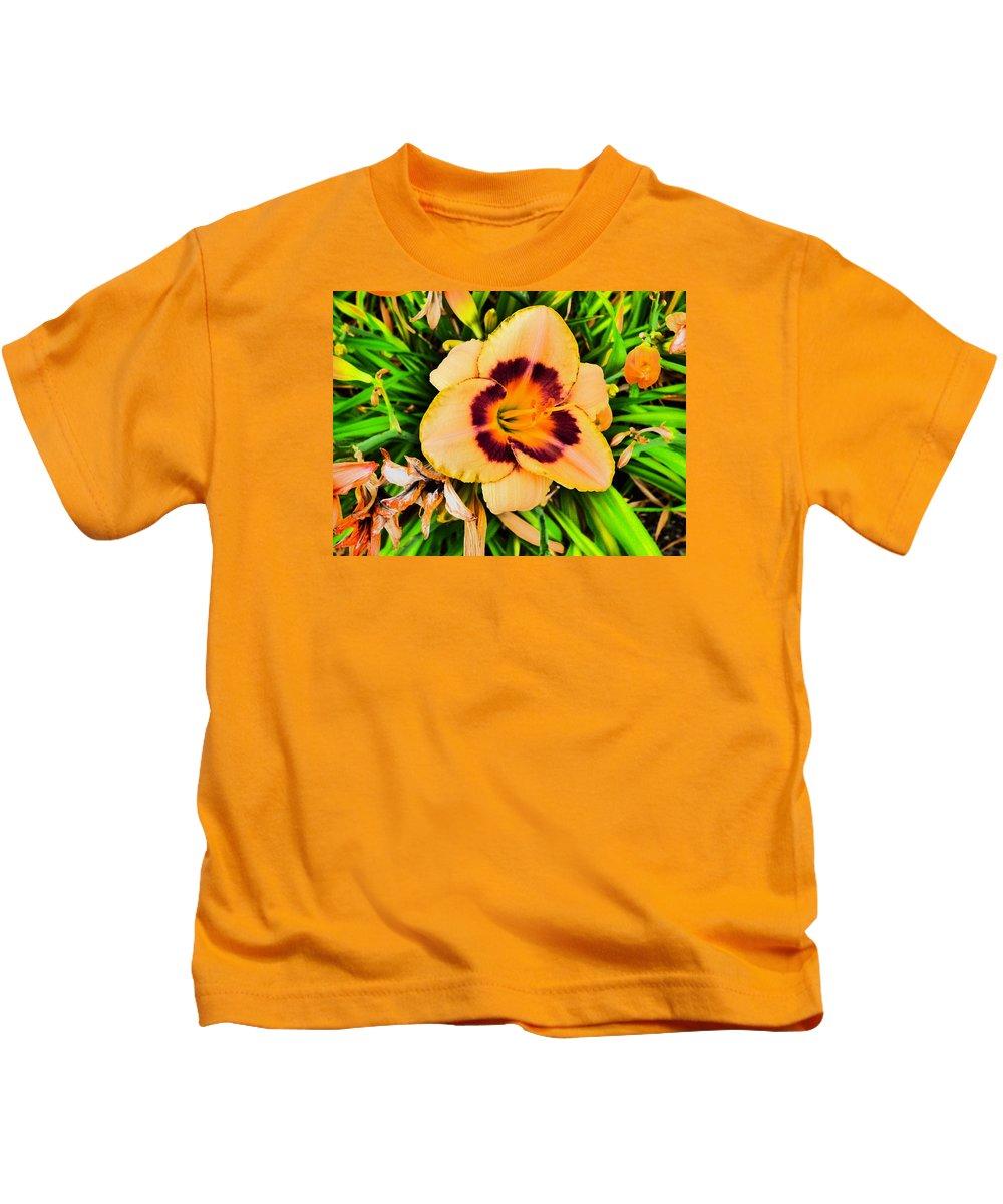 Flower Garden Idaho Photography Kids T-Shirt featuring the photograph Still by Paul Stanner