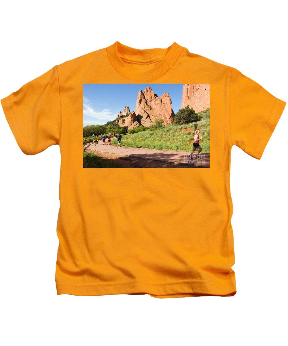 Garden Of The Gods 10 Miler Kids T-Shirt featuring the photograph Garden Of The Gods Ten Mile Run In Colorado Springs by Steve Krull