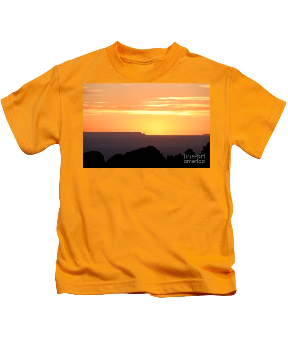Western Us Kids T-Shirt featuring the photograph A Western Sunset by David Lee Thompson