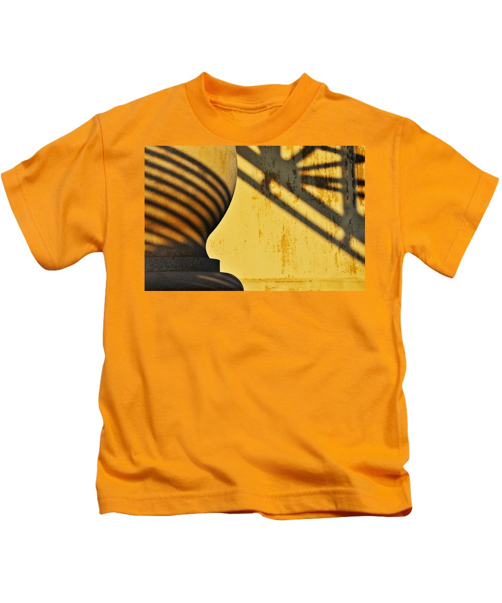 Architecture Kids T-Shirt featuring the photograph Comb Over by Skip Hunt