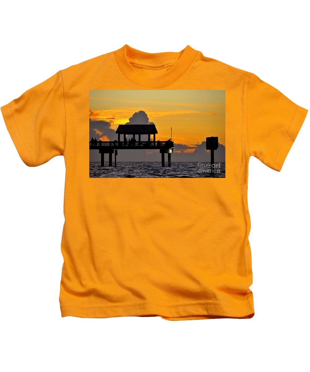 Gulf Of Mexico Kids T-Shirt featuring the photograph Dusk Over The Gulf by David Lee Thompson