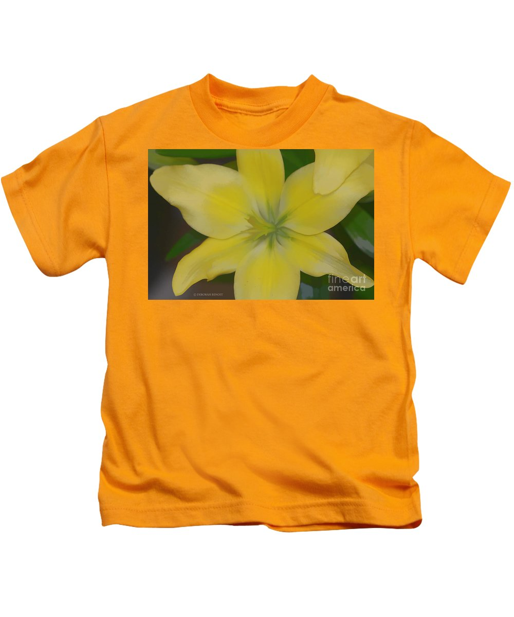Lilly Kids T-Shirt featuring the photograph Lilly With Artistic Beauty by Deborah Benoit