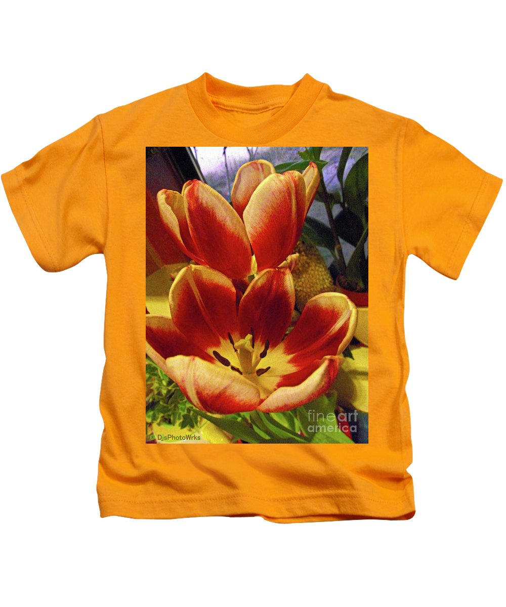 Blooms Kids T-Shirt featuring the photograph Houseplant Beauty by Darryl Treon