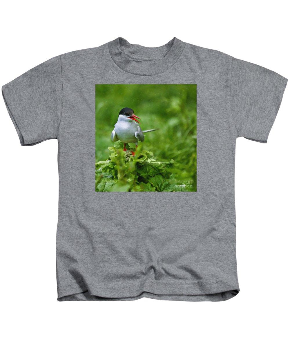 Artic Tern Kids T-Shirt featuring the digital art Arctic Tern by Liz Leyden