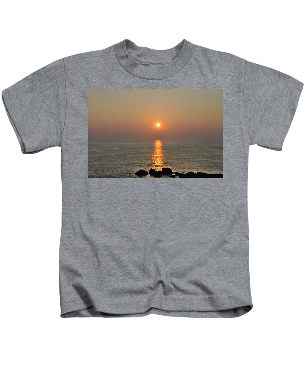 Sunrise Kids T-Shirt featuring the photograph Sunrise On The Ocean by Bill Cannon