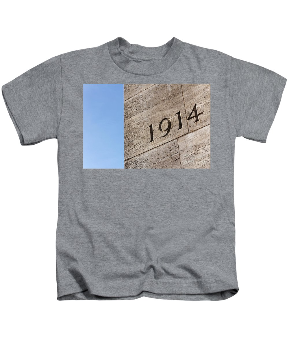40k Kids T-Shirt featuring the photograph 1914 by Jannis Werner