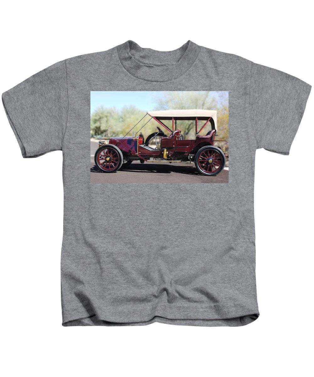1907 Panhard Et Levassor Kids T-Shirt featuring the photograph 1907 Panhard Et Levassor by Jill Reger