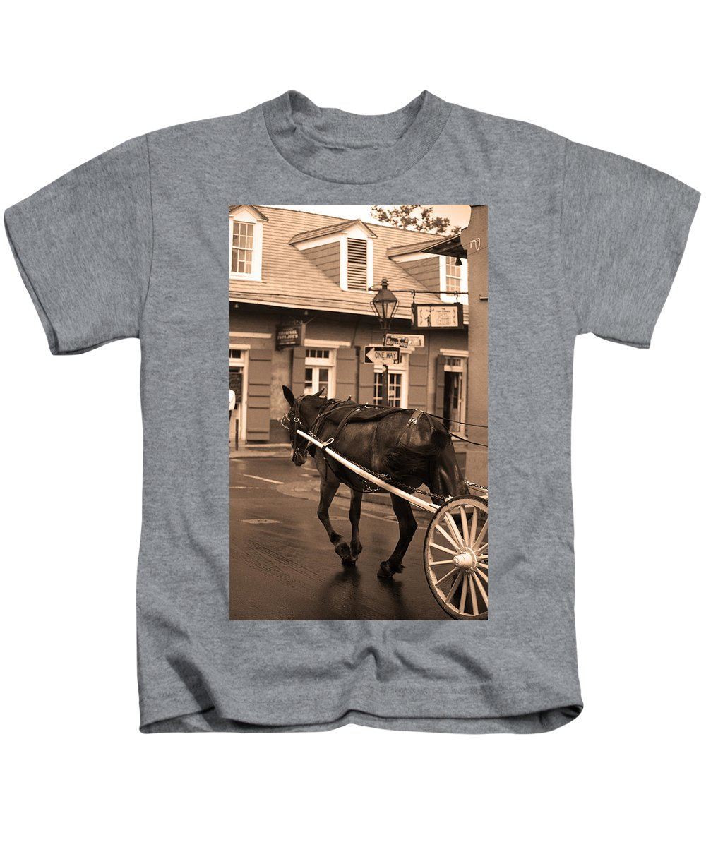 America Kids T-Shirt featuring the photograph New Orleans - Bourbon Street Horse 3 by Frank Romeo