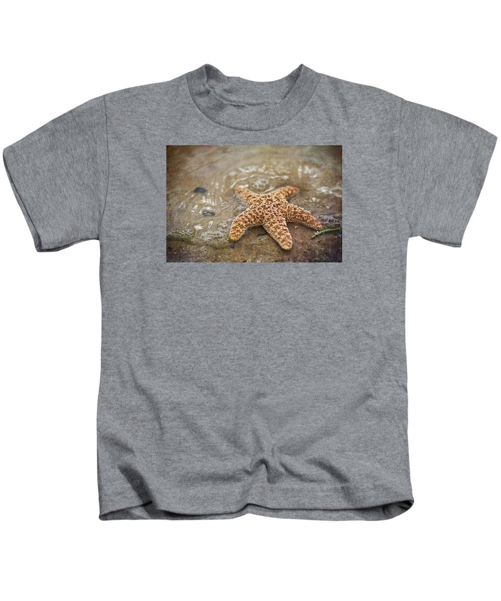 Starfish Kids T-Shirt featuring the photograph Starfish On Beach by Regina Williams