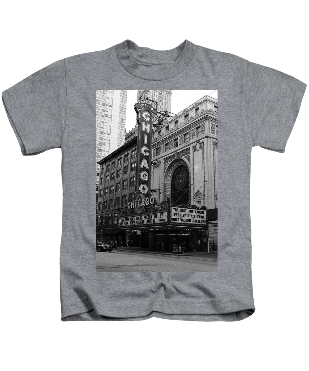 America Kids T-Shirt featuring the photograph Chicago Theater by Frank Romeo