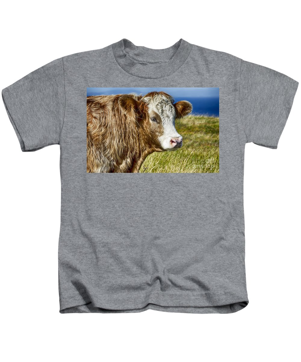 Highland Cow Canvas Kids T-Shirt featuring the photograph Highland Cow by Chris Thaxter