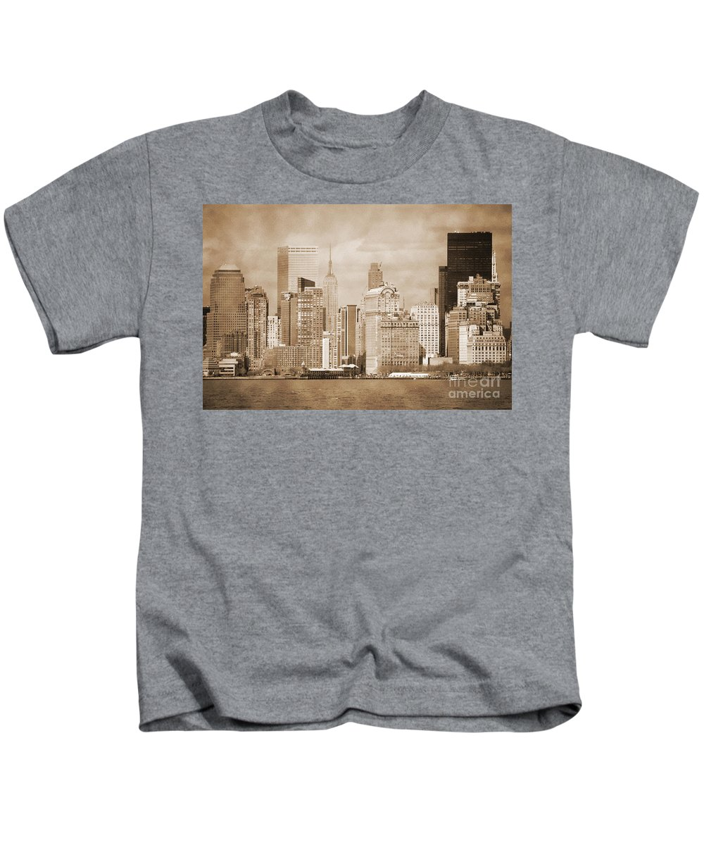 Bw Kids T-Shirt featuring the photograph Manhattan Buildings Vintage by RicardMN Photography