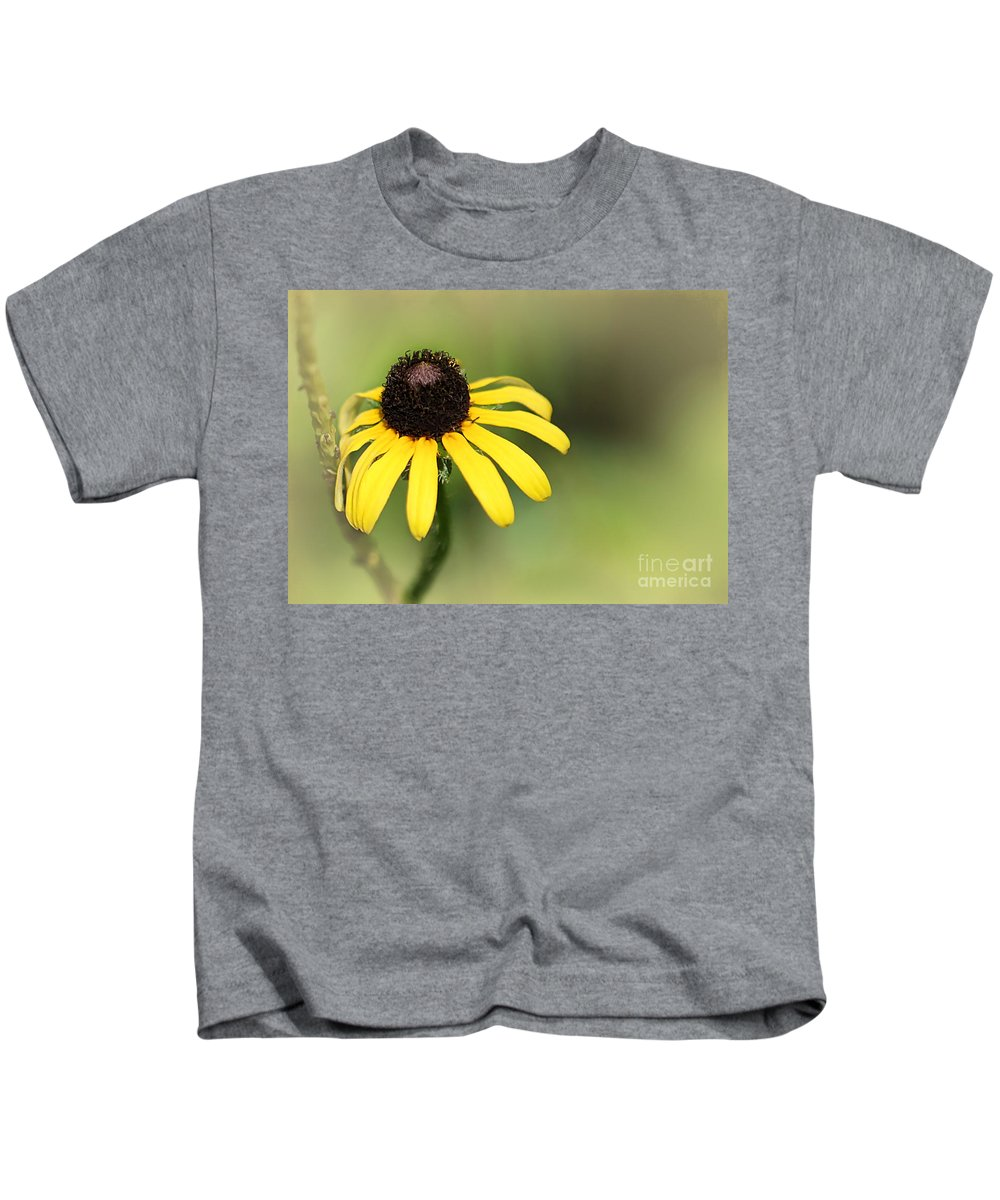Art Kids T-Shirt featuring the photograph A Black Eyed Susan by Sabrina L Ryan