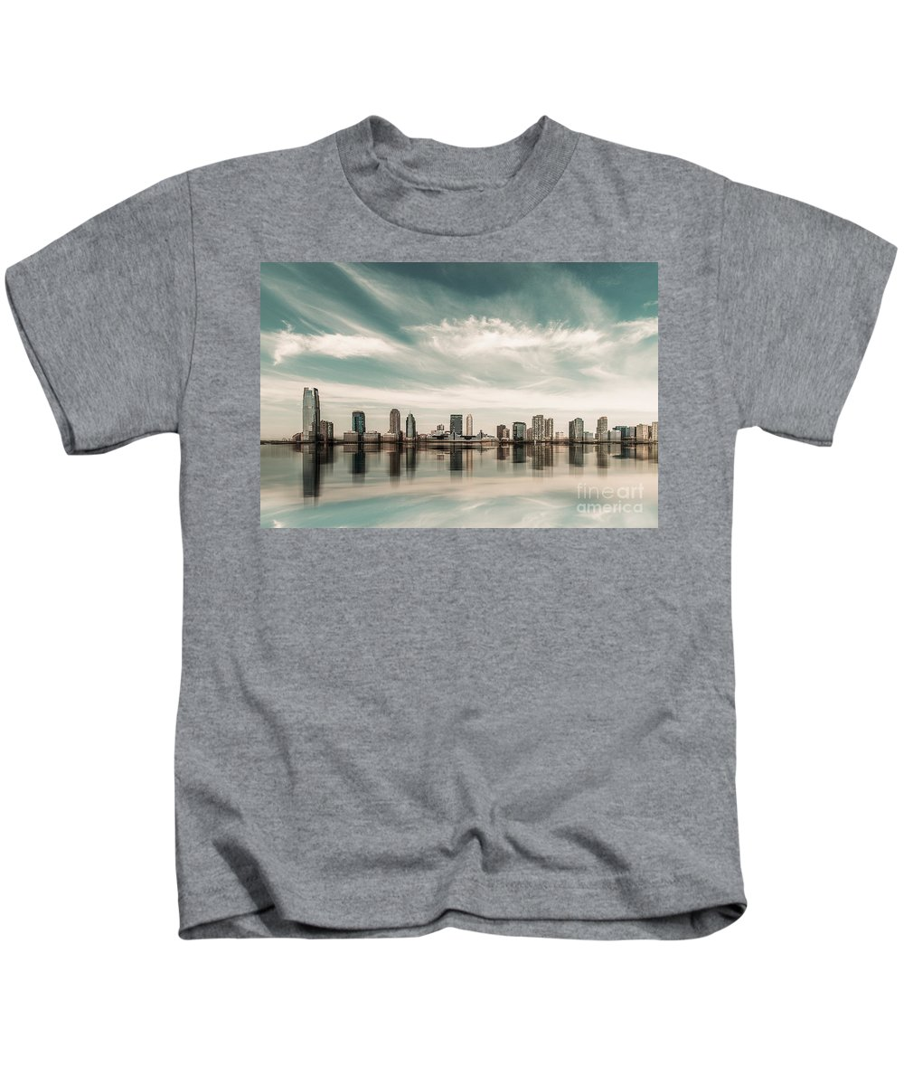 Nyc Kids T-Shirt featuring the photograph a look to New Jersey by Hannes Cmarits