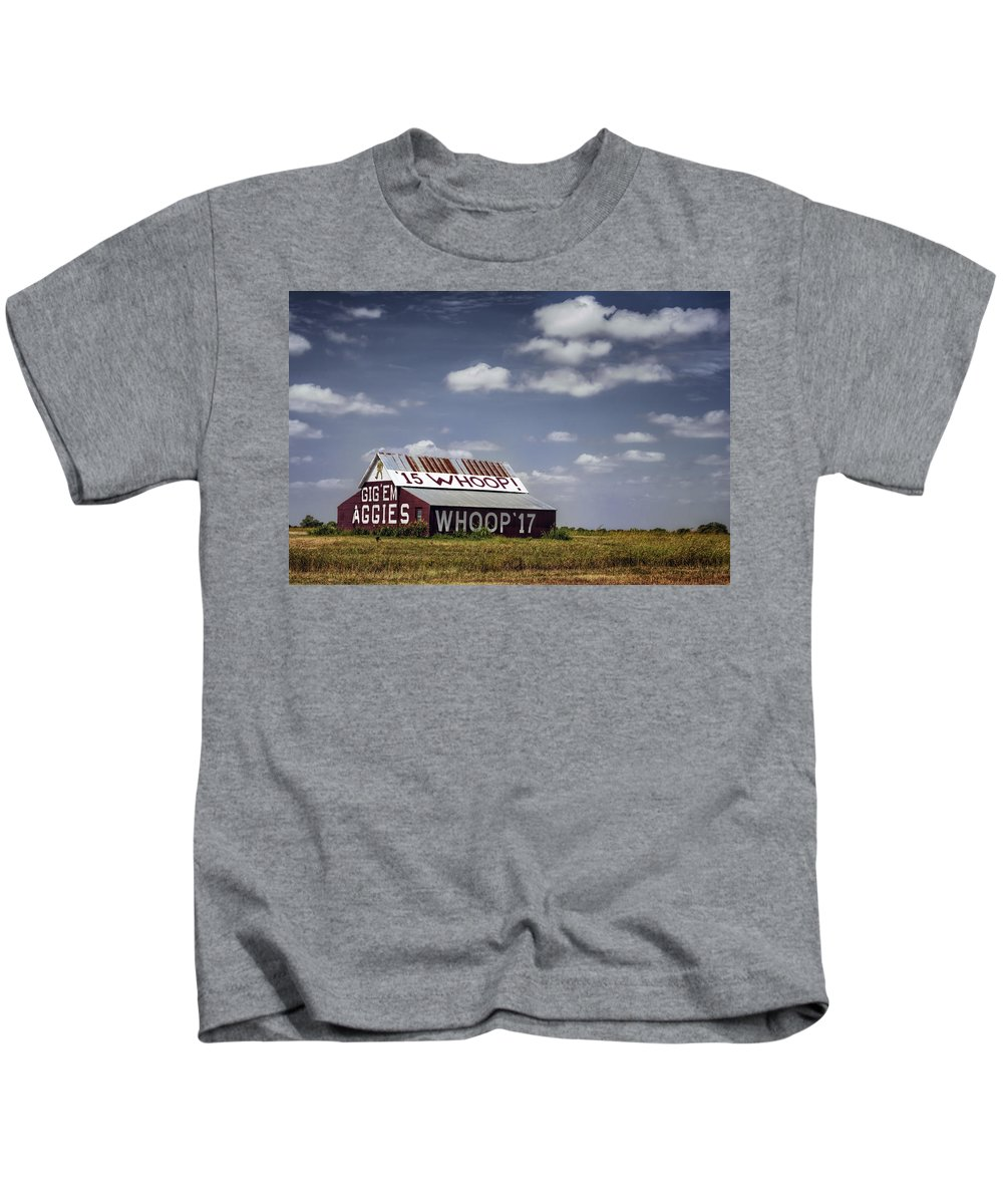 Joan Carroll Kids T-Shirt featuring the photograph Aggie Barn by Joan Carroll