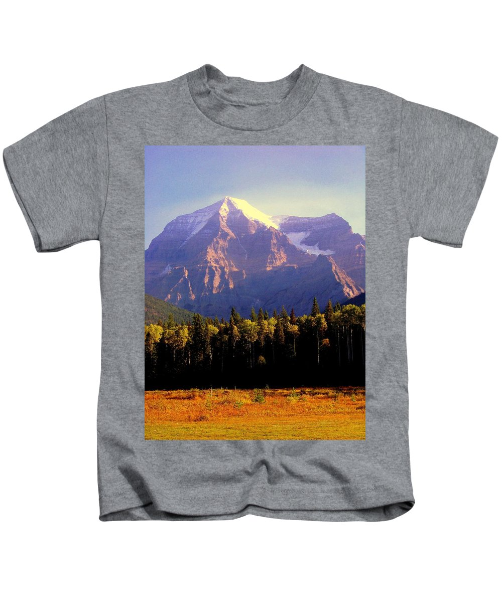 Landscapes Kids T-Shirt featuring the photograph Autumn On The Mount by Karen Wiles
