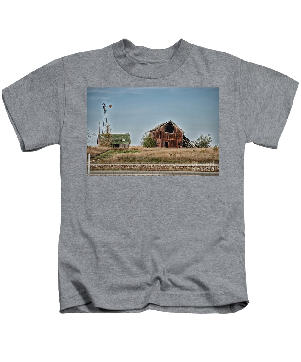 Decaying Farm Kids T-Shirt featuring the photograph Better Days Central Il by Thomas Woolworth