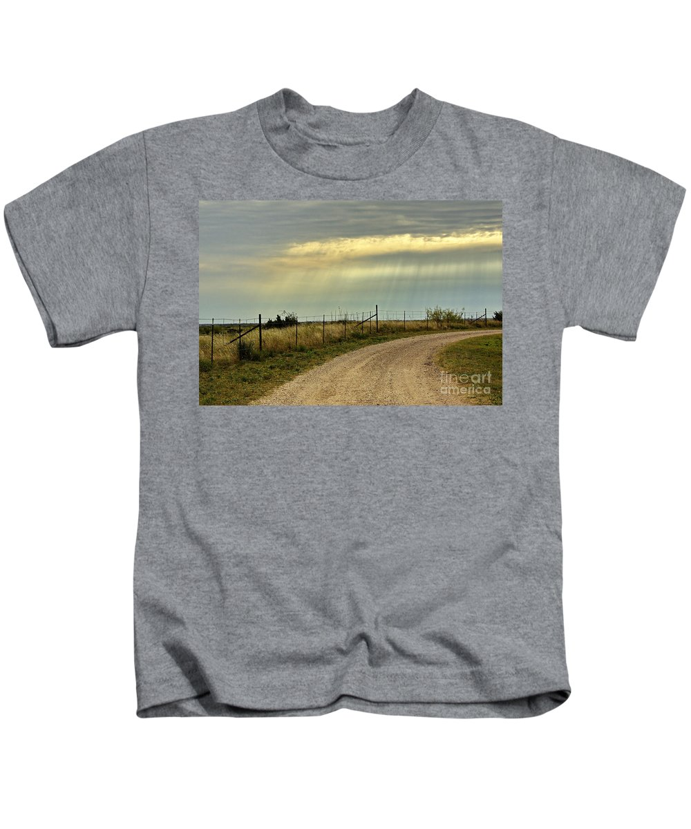 Caprock Canyon State Park Kids T-Shirt featuring the photograph Caprock Canyon-country Road by Gary Richards