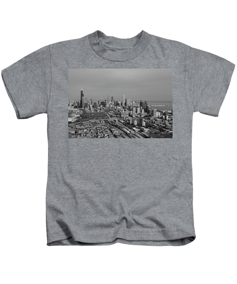 Black And White Kids T-Shirt featuring the photograph Chicago Looking North 01 Black And White by Thomas Woolworth