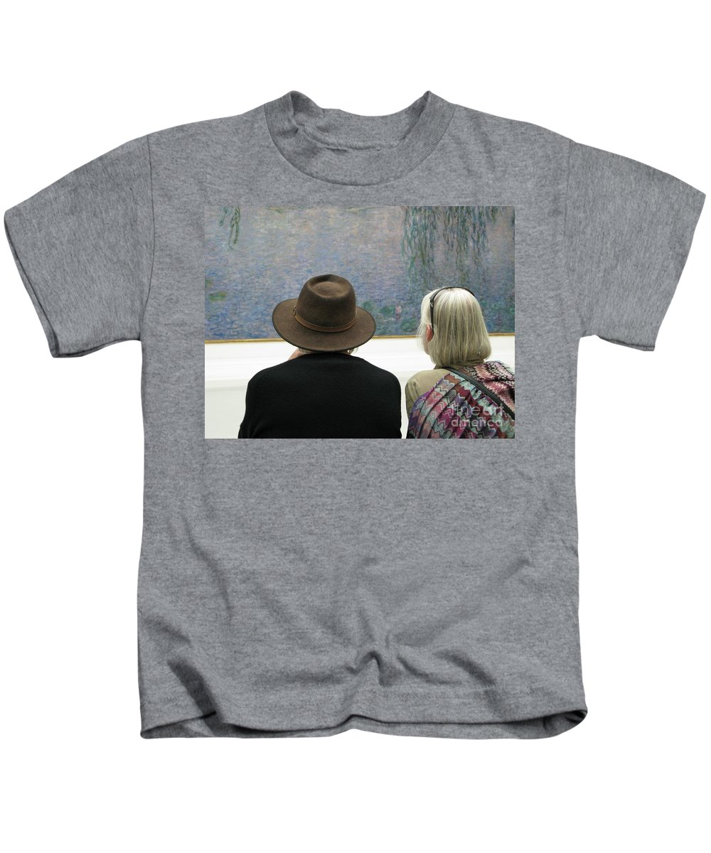 People Kids T-Shirt featuring the photograph Contemplating Art by Ann Horn