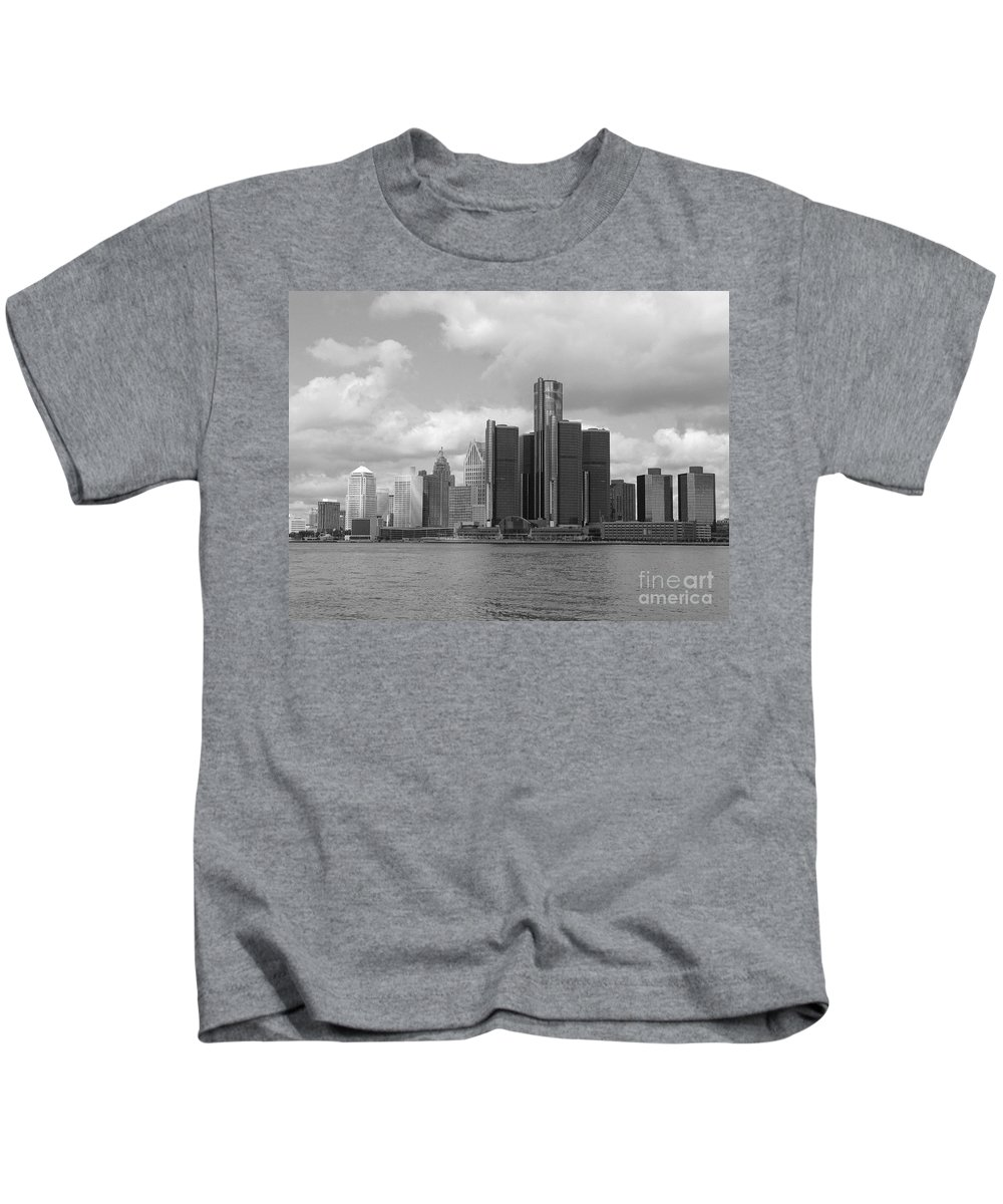 Detroit Kids T-Shirt featuring the photograph Detroit Skyscape by Ann Horn